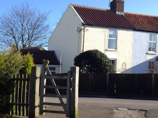 Henrys Cottage Front